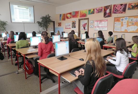 Výuka psaní na klávesnici všemi 10 prsty